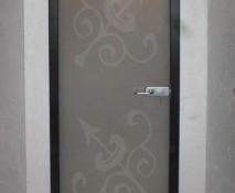 dveri_raspashnye_steklyannye_3.jpg