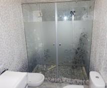 steklyannyye-dveri-dlya-dusha_50.jpg